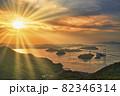 来島海峡大橋の美しい夕景 82346314
