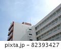 大きなL字型のアパート 82393427