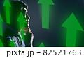 株価の一覧ボードと投資家 82521763