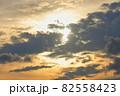 夕方の空(横位置) 82558423