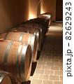 ワインカーヴのワイン樽 82629243