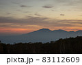 夕暮れの野反峠から見る浅間山 83112609