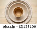 紙や木でできたエコな食器 83126109