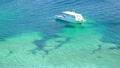 南国の珊瑚礁と船 6946427