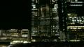 도쿄역 신칸센과 고층 빌딩의 엘리베이터 8442581