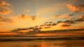 朝焼けの空と海 11116301