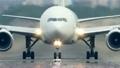 飛行機 離陸するジェット機 12396116