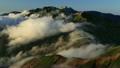 晚上流動白色白馬山脈的雲(圖片攝於:北阿爾卑斯山Goryu-dake) 12629886