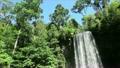 晴れた日のミラミラの滝 14642978