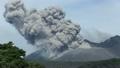 6月 桜島黒神から間近に見た桜島南岳の爆発的火口 16394786