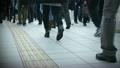 ビジネス街を歩く人々 18610310