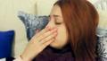 女の人 女性 病気の動画 18610920