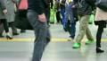 駅 通勤 群衆の動画 19316072
