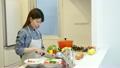 調理 女性 料理の動画 22162918