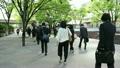 东京新宿西口早上通勤的风景 22377094