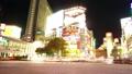東京タイムラプス 渋谷スクランブル交差点 夜景 大混雑する群衆 109方向 パン ブラー処理あり 22783477