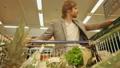 スーパーマーケット ショッピング 買い出しの動画 22785686