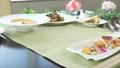 フランス料理のフルコース 25203142