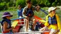 河 漂流 家庭 25497064