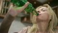 女人 女性 酒精的 26250185