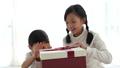 盒子 箱子 男孩 27532046
