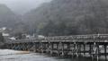 1月 雪の渡月橋  京都の雪景色 28069170