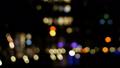 【モーションパン】都会の夜の街並みを彩る光の競演 28180056