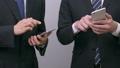 비즈니스 이미지 협의 스마트 폰, 태블릿 사용 28201636