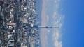 タテ素材 東京タイムラプス 東京都心街並全景 東京スカイツリー 富士山に流れる雲 パン 28239466
