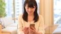 若い女性、スマホ 28401286