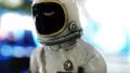 宇宙飛行士 ヘルメット かぶとの動画 28589200