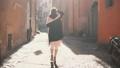 女性 散歩 歩きの動画 29115288