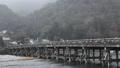1月 雪の渡月橋  京都の雪景色 29372788