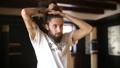 男の人 結び ネクタイの動画 29585965