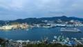 鍋冠山 客船の入港と長崎市街地を望む 29931384