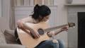 ギター アコースティック 女性の動画 29965282