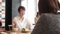 人物 女性 カフェの動画 30050959