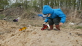 ガスマスク ダンプ 投棄の動画 30429643