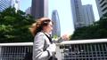 匆匆跑步商务女性新宿商务区通勤,看到急促销售的通用手表 30611217