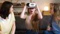 笑い 笑う VRの動画 30623810