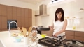 Video material Stock women to cook in the kitchen 31103383