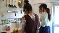 料理する女性 31435891