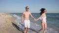 ビーチ 浜辺 カップルの動画 31844504