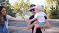 ファミリー 家族 妻の動画 32302790