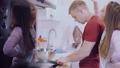 キッチンコンロ へっつい ガスコンロの動画 32302846