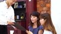 カフェ 男性 女性の動画 32483632