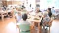 介護イメージ 介護 シニア 高齢者 女性 90代 デイケア デイサービス 介助 介護士 食事 32500693