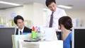 オフィス 会話 ビジネスの動画 32736215