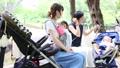 ママ友 公園 主婦の動画 32856402