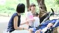 ママ友 公園 主婦の動画 32856404
